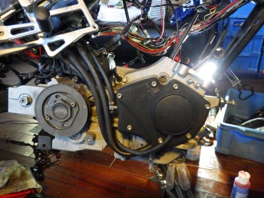 エンジン組み付け (24)