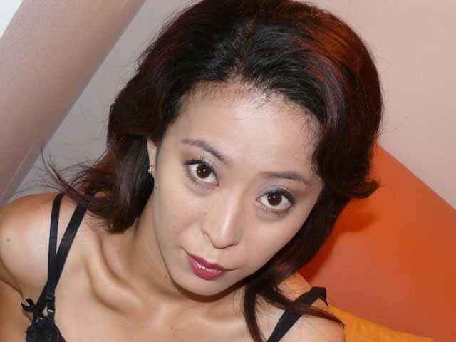 美しい人妻熟女