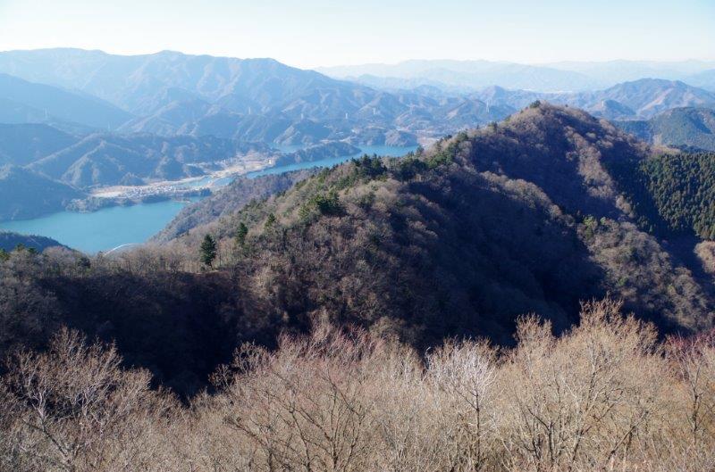 仏果山・高取山(東丹沢)を日帰り登山 宮ケ瀬湖・神奈川の街並みを ...