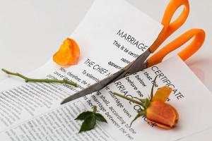 divorce-619195_960_720_convert_20151227010326.jpg